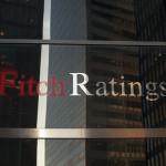 Агентство Fitch снизило рейтинг РФ